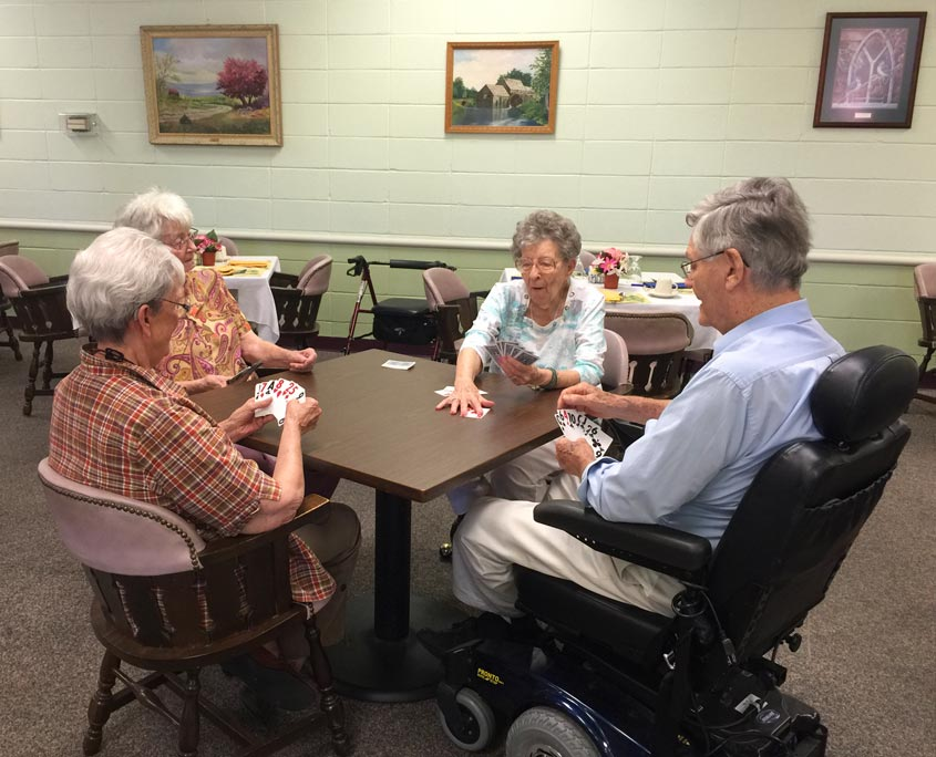 skilled-nursing-facility-memory-loss-unit-24-hour-nursing-independent-living-for-seniors-social-activities-845x684-2